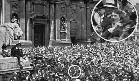 Famous Hitler rally picture probably faked
