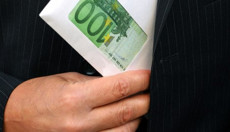 Berlin aims to rein in salaries at bailed-out banks