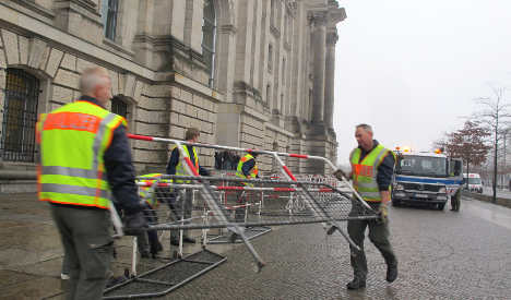 Reports warn of attack on Reichstag