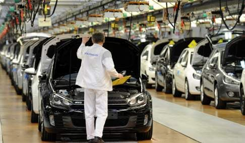 Cars sales seen accelerating in 2010