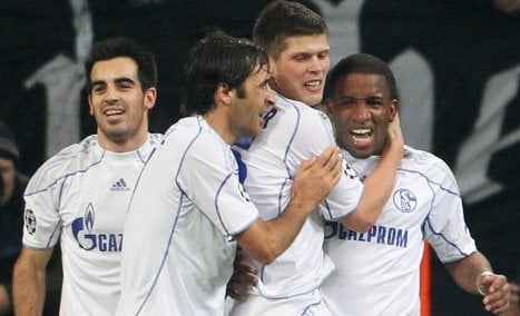 Schalke makes last 16 in Champions League with win over Lyon