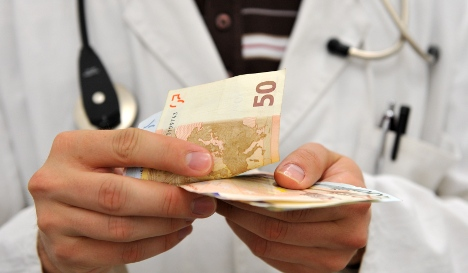 Unions call for end to private health insurance