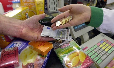 Inflation hits 1.1 percent in 2010