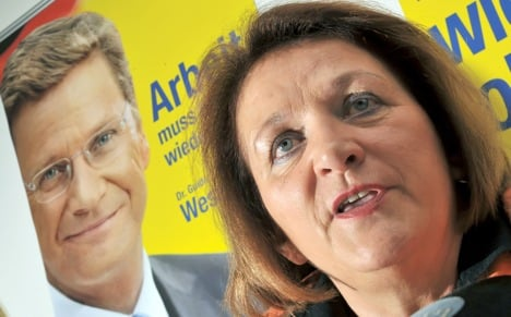 FDP minister backs Westerwelle, but wants changes