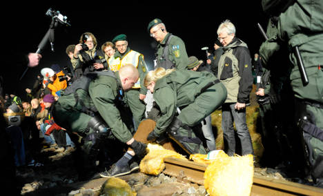 Police detain 300 at atomic waste protest