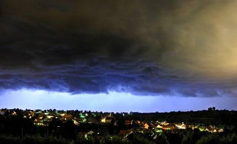 Torrential rain clouds Germany's future