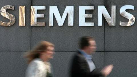 Siemens ready to spend billions on takeovers