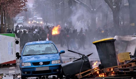 Police raid anti-fascists' offices after Dresden violence