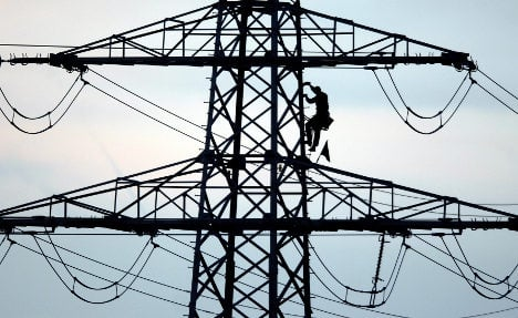 E.ON sells British power grid to US group
