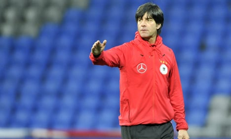 Löw extends Germany contract to 2014
