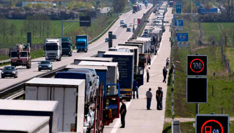 Accident involving truck full of candles closes motorway to Poland