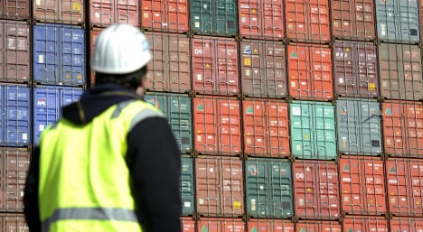 Exports remain strong with 2.7 percent rise