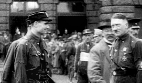 Hitler knew about WWII flight to UK by Heß