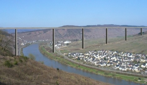 Mosel Valley bridge to be built in wine country