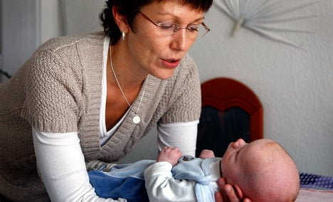 Expectant mothers face midwife shortage