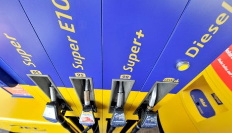 Big petrol firms inflating prices, watchdog says