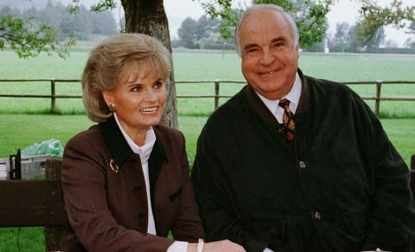 Kohl blasts portrayals of his private life