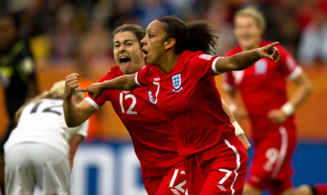 England and Japan through to World Cup quarter-finals