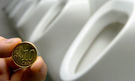 Toilet cleaner hid €40,000 in small coins from the taxman