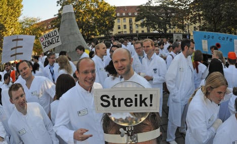 Doctors go on series of two-hour strikes