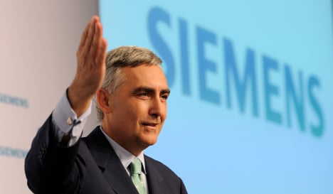 Siemens said to move French bank cash to ECB