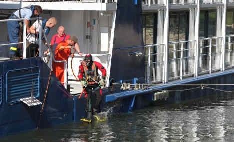 Freighter crashes into passenger ship on the Danube