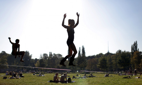 Rain gives way to cool but sunny weekend