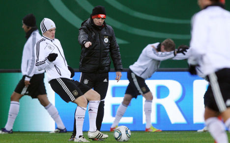 Germany tackles Holland with confidence