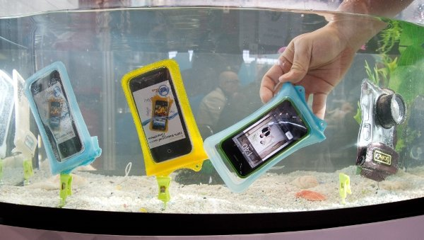 And it's not just tablets that you'll dip in water in the future. Thanks to these amazing, futuristic multi-coloured plastic bags, you can throw anything you like in a fish tank.Photo: DPA