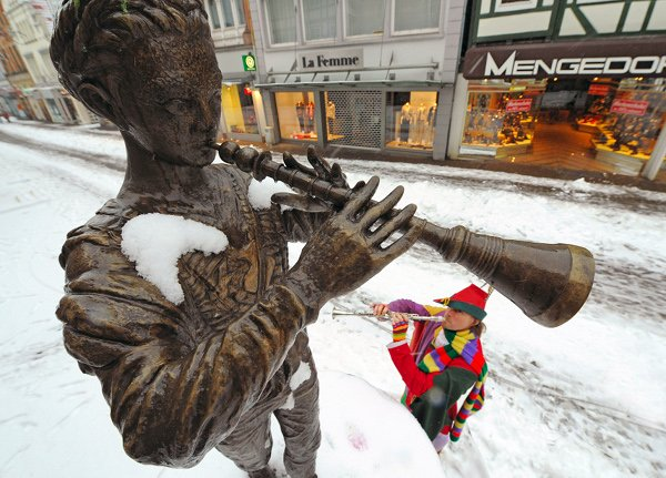 The Pied Piper of Hameln<br>The classic Pied Piper tale can be traced back to an unfortunate event in the Middle Ages, in a small town of Hameln, Lower Saxony, where masses of children disappeared at the same time. No one quite knows where they went, but legend has it that a rat catcher lured them all away after the mayor refused to pay him...Photo: DPA