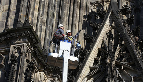 Crumbling Cologne cathedral drops stones