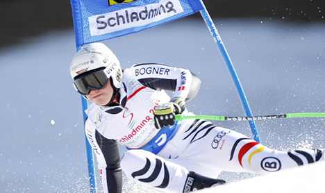 German pushes for giant slalom title