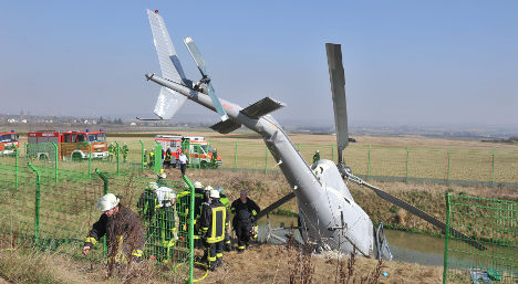 Five walk away from helicopter crash