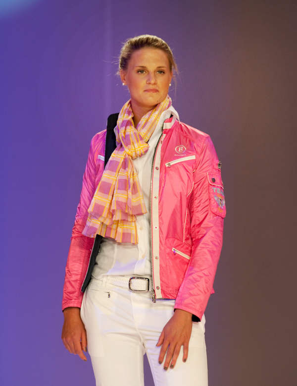Swimmer Lisa Vitting looked pleased with her matching scarf and jacketPhoto: DPA