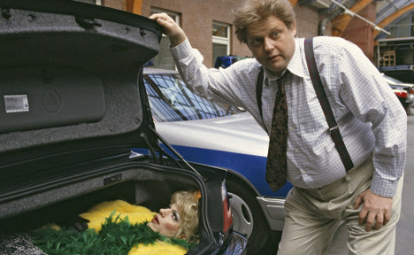 Grandpa forgets girl locked in car boot
