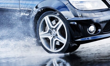 Scientists unveil 'self-changing tyres'
