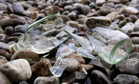 Student shatters Lake Constance glass ban