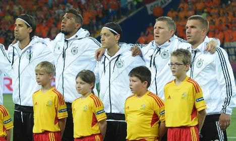Footballers 'should be forced to sing anthem'