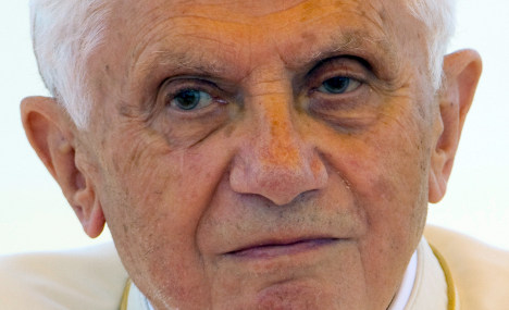 Pope blocks magazine over 'leaks' stain picture