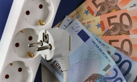 Household electric bills 'billions too much'
