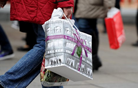 Shopkeepers worry about Christmas profits