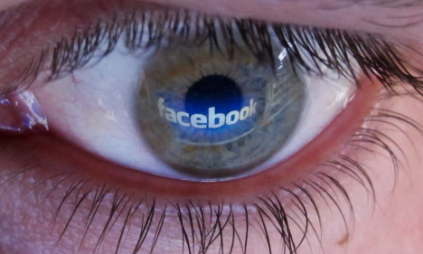Facebook blinks first over facial recognition