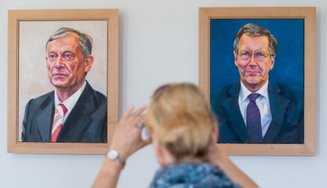 President moves 'ugly' portraits of predecessors