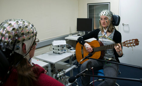 Musicians play with brainwaves in tune