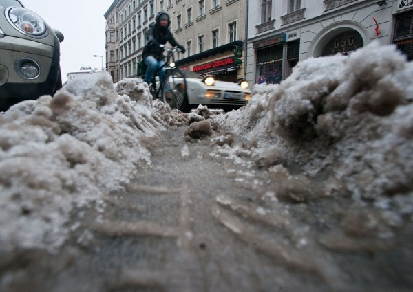 By Monday morning, much of the weekend's snowfall was looking distinctly worse for wearPhoto: DPA