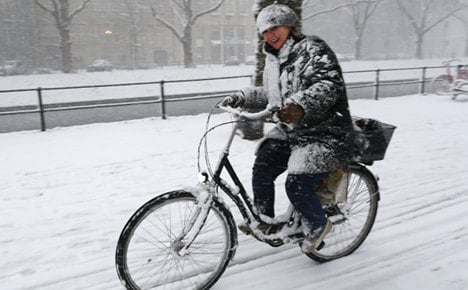 Winter hits the west, causes traffic trouble