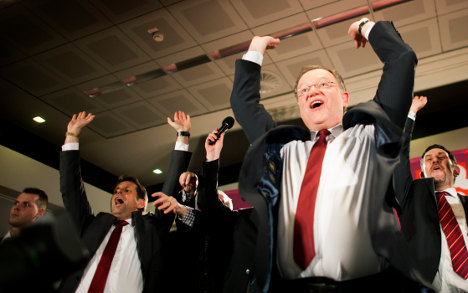 SPD/Greens win Lower Saxony by one seat