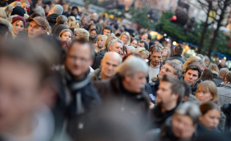 Immigration boosts population in 2012