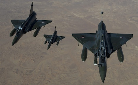 Berlin to refuel French jets for Mali mission