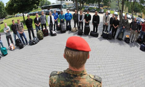 A third of volunteer military recruits drop out